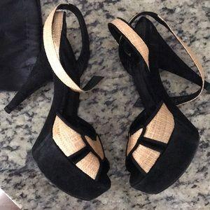 Fendi sandals size 9